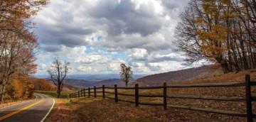 Picture of scenic drive in Grayson County